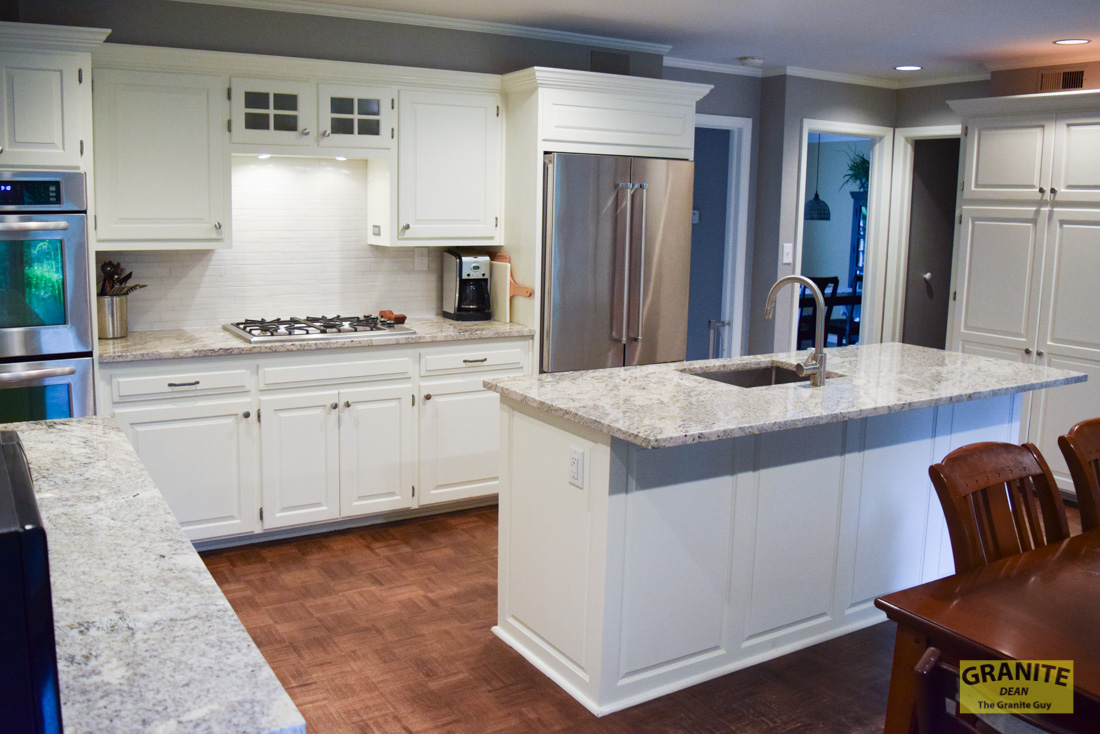 A Stylish New Kitchen for Rachel in Leawood